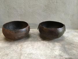 Oude zinken bak schaal kom kruik landelijk industrieel oud metalen vintage