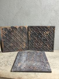Stoere oude houten wandpanelen Plaat hout tegel tegels paneel bewerkt houtsnijwerk vintage Luik plank Wandpaneel landelijk stoer wandornament 40 x 40 Naturel bruin