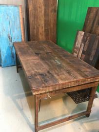 Oude landelijke industriële eettafel naturel 220 x 90 cm hout houten Sidetable bureau buro tuintafel klaptafel werkbank werktafel oud vintage stoer