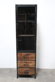 Grote hoge smalle houten metalen eendeurskast 1 deur hout glas vitrine metaal hoog smal landelijk industrieel