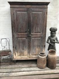 Oud metalen stoeltje bistro bistrostoeltje landelijk stoer brocant brocante metaal industrieel vintage urban