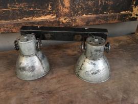 Industriële oud gerecycled metalen hanglamp plafondlamp urban wandlamp 2 grijze kappen spot spots metaal verstelbaar landelijk stoer vintage