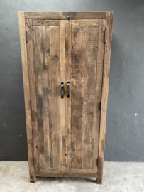 Stoere oud houten 2deurs grote dichte kast 195 x 90 x 40 cm landelijk stoer industrieel trucwood Railway grof hout Bassano