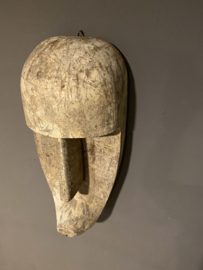 Grote houten kop hoofd pop masker om op te hangen vergrijsd landelijk sober stoer vintage beige grijs