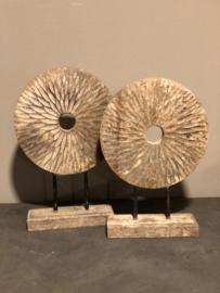 Ornement op pin vintage landelijk robuust rond hout