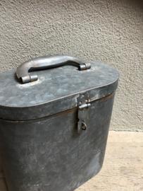 Zinken metalen bak zink koffer kist landelijk industrieel nieuw toiletrolhouder keukenrolhouder stoer Brocant grijs industrieel