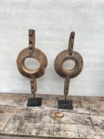 Prachtig oud geleefd houten groot rond ornament op pin landelijk stoer robuust industrieel raja wooden art 60-65 cm