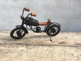 Metalen motor moter brommer bromfiets moterfiets decoratie speelgoed kinderspeelgoed industrieel vintage