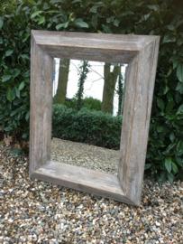Stoere vergrijsd houten spiegel 100 x 80 cm landelijk stoer industrieel