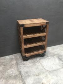 Stoer houten kastje nachtkastje nachtkastjes landelijk kast halkastje stoer industrieel trolley vintage hout metaal