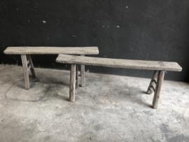 Oud Chinees vergrijsd licht houten bankje India assorti ruim assortiment olmenhout olmwood elmwood landelijk stoer grove nerf grof bank sidetable vergrijsd oud hout