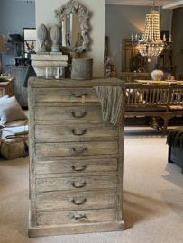 Prachtige oude hoge vergrijsd houten ladenkast ladekast wandmeubel archiefkast opbergkast landelijk stoer sober 75 x 45 x H127 cm