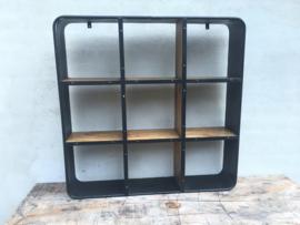Groot Stoer metalen houten wandrek 90 x 90 cm  wandplanken vakkenkast landelijk industrieel vintage rek schap metaal hout zwart vakken schappen