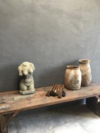 Stoere betonnen torso buste beton grijs vrouw borstbeeld landelijk