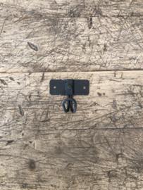 Zwart metalen haakje haak metaal wandhaakje kapstokhaakje industrieel stoer old look