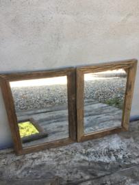 Oud vergrijsd houten lijst met spiegel spiegeltje truckwood sloophout nerf landelijk sober stoer industrieel
