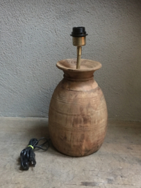Oude houten lamp gemaakt van Nepal pot kruik schemerlamp tafellamp landelijk stoer vintage industrieel oud