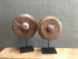Prachtige metalen gong on stand op standaard voet landelijk industrieel vintage urban stoer