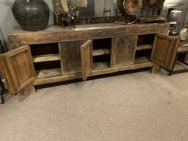 Groot oud doorleefd houten dressoir boerenkast keukenblok kastenwand sideboard keukenkast kast sidetable 5 deurs landelijk werkbank toonbank