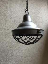 Stoere grote zinken metalen hanglamp M medium middel korf fabriekslamp rond 30 cm industrieel landelijk stoer vintage