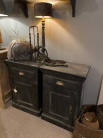 stoere zwarte houten landelijke nachtkastjes kastje kast ladenkast halkastje ladenkastje nachtkastjes ladekast nachtkastje nachtkastjes