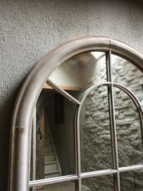Grote spiegel in metalen stalraam, stalraamspiegel landelijk industrieel kozijn venster grijs