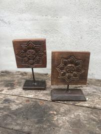 Houten paneel bloem op pin standaard houtsnijwerk landelijk vintage hout