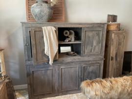 Super stoere 6 deurs vergrijsd houten kast oud zwart/grijs landelijk stoer robuust