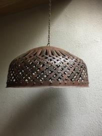 Smeedijzeren korf lampekap hanglamp mand bruin grijsbruin zwart  landelijk vintage korflamp stoer industrieel