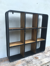 Groot Stoer metalen houten wandrek wandplanken vakkenkast landelijk industrieel vintage rek schap metaal hout zwart vakken schappen