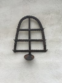 Oude smeedijzeren wandkandelaar wandkandelaars landelijk industrieel metaal lepel theelicht theelichtje