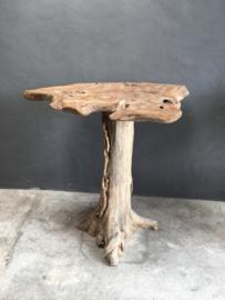 Oude houten bartafel statafel stamtafel hangtafel wortel wortelhout wortelhouten teakhouten staantafel stoer landelijk hout