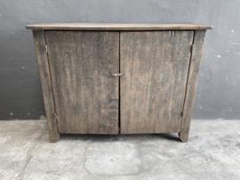 Prachtige oud houten 2 deurs kast dressoir landelijk stoer boeren sober vergrijsd 140 x 45 x H116 cm