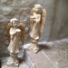 Prachtige grote engel rechtskijkend beeld kandelaar