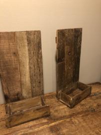 Oud houten wandrek schap rek rekje van oude brickmal baksteenmal B34 X H60 x D14 cm landelijk stoer vintage industrieel