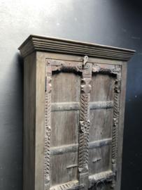 Prachtige oude houten boerenkast India kast 2 deurs oude deuren poort landelijk stoer robuust naturel hout 187 x 68 x 38 cm
