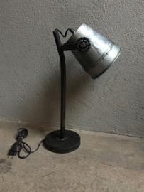 Industrieel metalen metaal zinken zink lampje buro bed leeslampje tafellamp tafellampje landelijk grijs stoer metaal