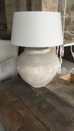 Prachtige oude kruiklamp landelijk sober naturel tinten pot oud tafellamp kruik