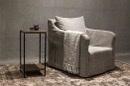 Stoer Bijzettafeltje tafeltje vierkant metalen onderstel met vergrijsd truckwood blad etagère landelijk industrieel bijzettafeltje nachtkastje