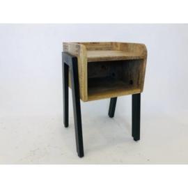 Stoer houten industrieel landelijk kastje kast nachtkastje nachtkastjes vintage retro schap kastje zwart metaal hout