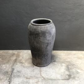Prachtige grote oude stenen kruik pot vaas olijfpot 81 x 46 cm olijfkruik landelijk stoer grijs beige