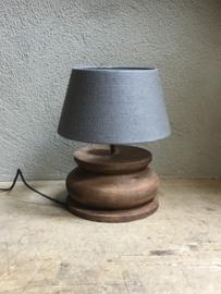 Stoere grote robuuste dikke naturel bruine houten balusterlamp tafellamp landelijk stoer robuust