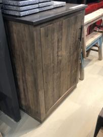 Losse hogere kast voor bij keuken Stoer vergrijsd houten keukenkast kast keukenkastje keukenblok keuken keukentje (buiten)keuken oud Elmwood landelijk stoer grijs