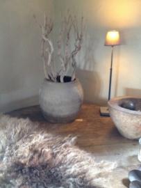 Tierlantijn tafellamp hard stone grijs grijze loodkleur staander kleur lamp lampje hardsteen voetje landelijk stoer