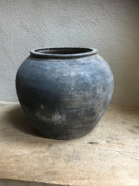 Grote grijze stenen kruik pot vaas landelijk stoer robuust vergrijsd mat gepoederd shabby landelijk