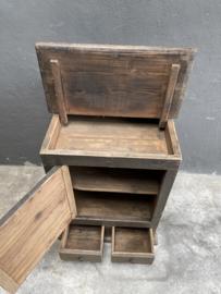 Oud vergrijsd houten kast kastje balie toonbank desk keukenkastje oud boerenkeuken landelijk 66 x 60 x h85 cm