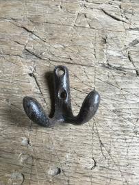 Gietijzeren haak haakje kapstokhaak landelijk bruin dubbel 5 cm