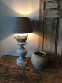 Oude grijs antraciet houten balusterlamp lamp voet lampevoet hout landelijk stoer