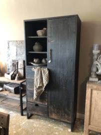 Mooie grote hoge kast zwart ijzer met hout  205 x 100 x 44,5 cm vitrinekast keukenkast zwart hout landelijk stoer industrieel
