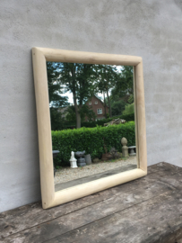 Mooie licht naturel natural houten vierkante spiegel 80 x 80 cm landelijk sober Ibiza stijl vintage